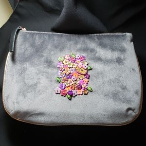 Handcrafted flower🌺 makeup bag